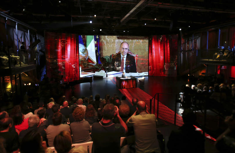 Berlusconi defeated, decides to back Italy gov't