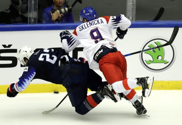 Ice Hockey - 2018 IIHF World Championships - Quarterfinals - USA v Czech Republic - Jyske Bank Boxen - Herning, Denmark - May 17, 2018 - Anders Lee of the U.S. in action with David Sklenicka of the Czech Republic. REUTERS/David W Cerny