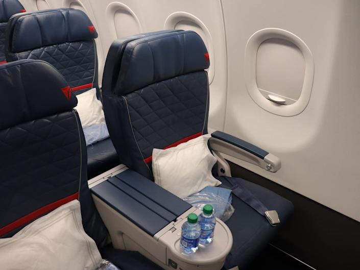 A first class seat on a Delta Airbus A321.