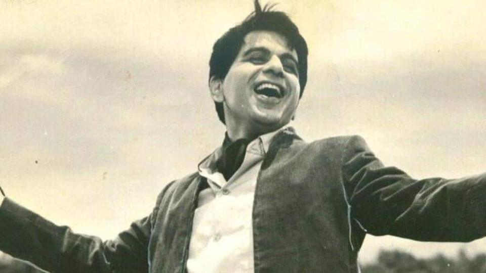 Dilip Kumar, wrapped in Tricolor, laid to rest in Mumbai