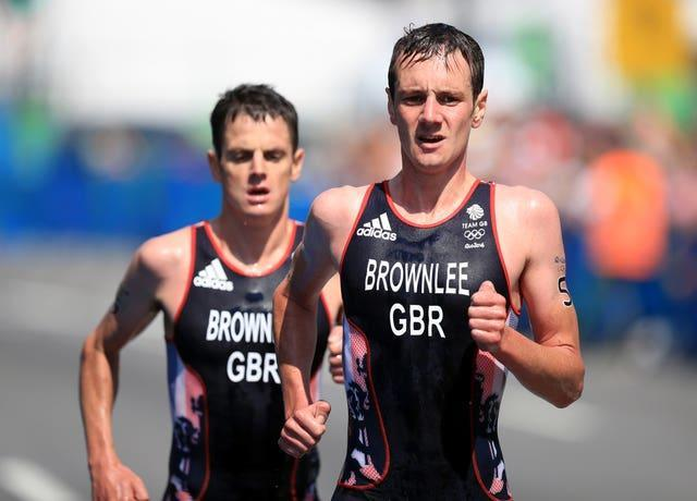 Alistair Brownlee leads Jonny during the 2016 Olympics