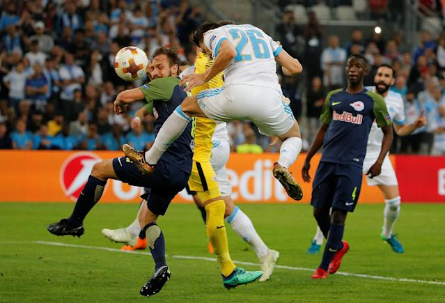 Soccer Football - Europa League Semi Final First Leg - Olympique de Marseille vs RB Salzburg - Orange Velodrome, Marseille, France - April 26, 2018 Marseille's Florian Thauvin scores their first goal REUTERS/Jean-Paul Pelissier