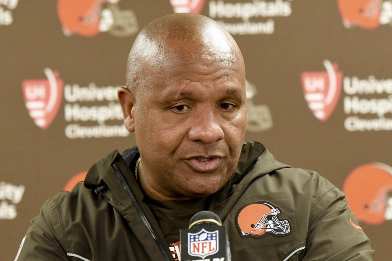 Fired Browns coach disputes owner's claim of 'discord'