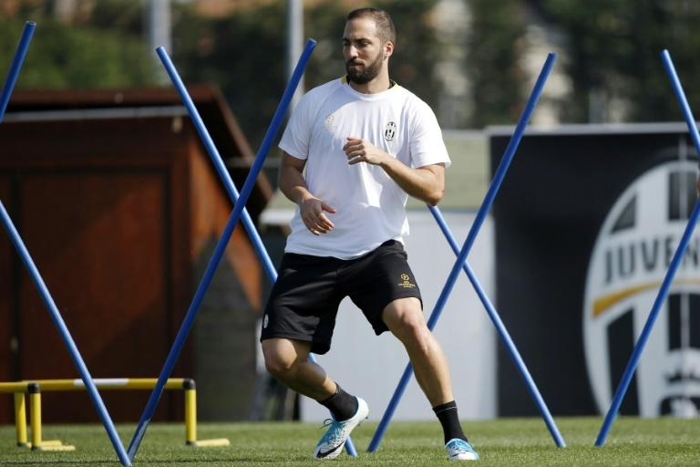 Juventus' forward Gonzalo Higuain from Argentina takes part in a training session at the Juventus Training Center in Vinovo, near Turin, on April 10, 2017