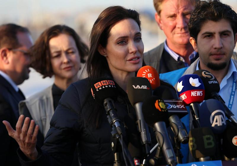 US actress and UNHCR ambassador Angelina Jolie during a visit to a camp for displaced Iraqis in Khanke, a few kilometres from the Turkish border in Iraq's Dohuk province, on January 25, 2015 (AFP Photo/Safin Hamed)