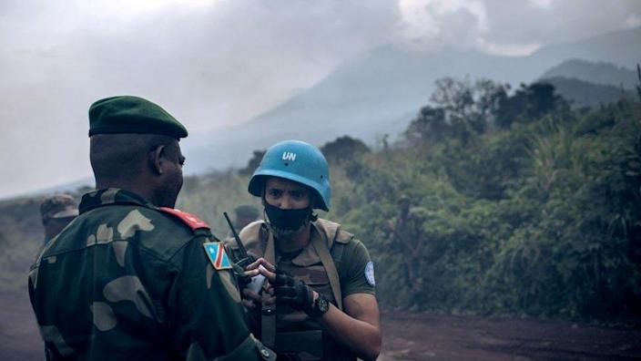 A Congolese general addresses a MONUSCO officer in the Virunga national park - February 22