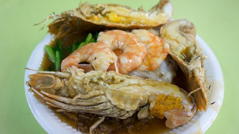 A plate of Crayfish Prawn Hor Fun