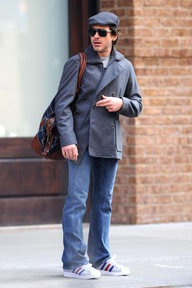 "Loving the cute newsboy cap, the wool pea coat, the striped sneakers, and especially the Robert Downey Jr.. Doug Meszler/<a href=""http://www.splashnewsonline.com"" target=""new"">Splash News</a> - January 31, 2009"