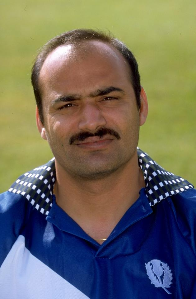 10 May 1999:  A portrait of Asim Butt of the Scotland World Cup Cricket Squad, England. \ Mandatory Credit: Ben Radford /Allsport
