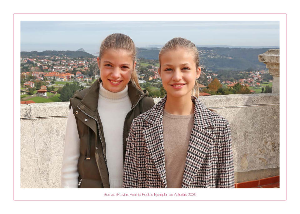 MADRID, SPAIN - DECEMBER 12: This handout image provided by the Spanish Royal Household shows the inside of the Royal Christmas Card featuring a photograph Princess Leonor and Princess Sofia on December 12, 2020 in Madrid, Spain. (Photo by Casa de S.M. el Rey Spanish Royal Household via Getty Images)