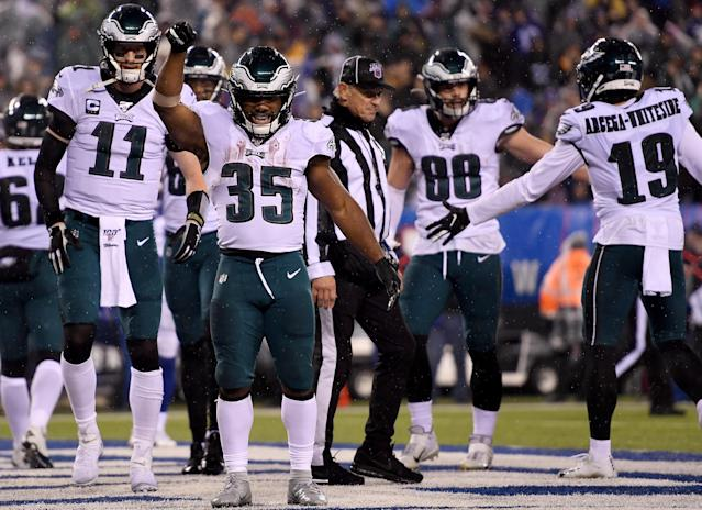 With the division on the line, the Eagles found another gear in the fourth quarter to crush the Cowboys' playoff hopes. (Photo by Sarah Stier/Getty Images)