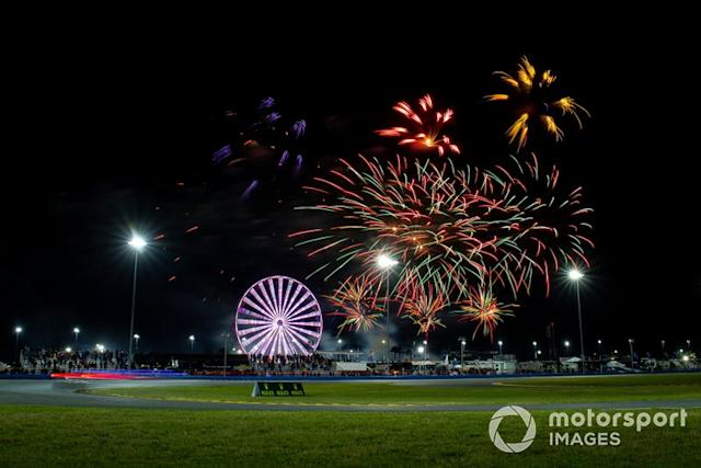 "Fuegos artificiales <span class=""copyright"">Barry Cantrell / NKP / Motorsport Images</span>"