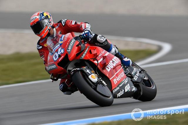 "#04 Andrea Dovizioso (sin los logos de Mission Winnow, con Ducati en el lateral) <span class=""copyright"">Gold and Goose / Motorsport Images</span>"