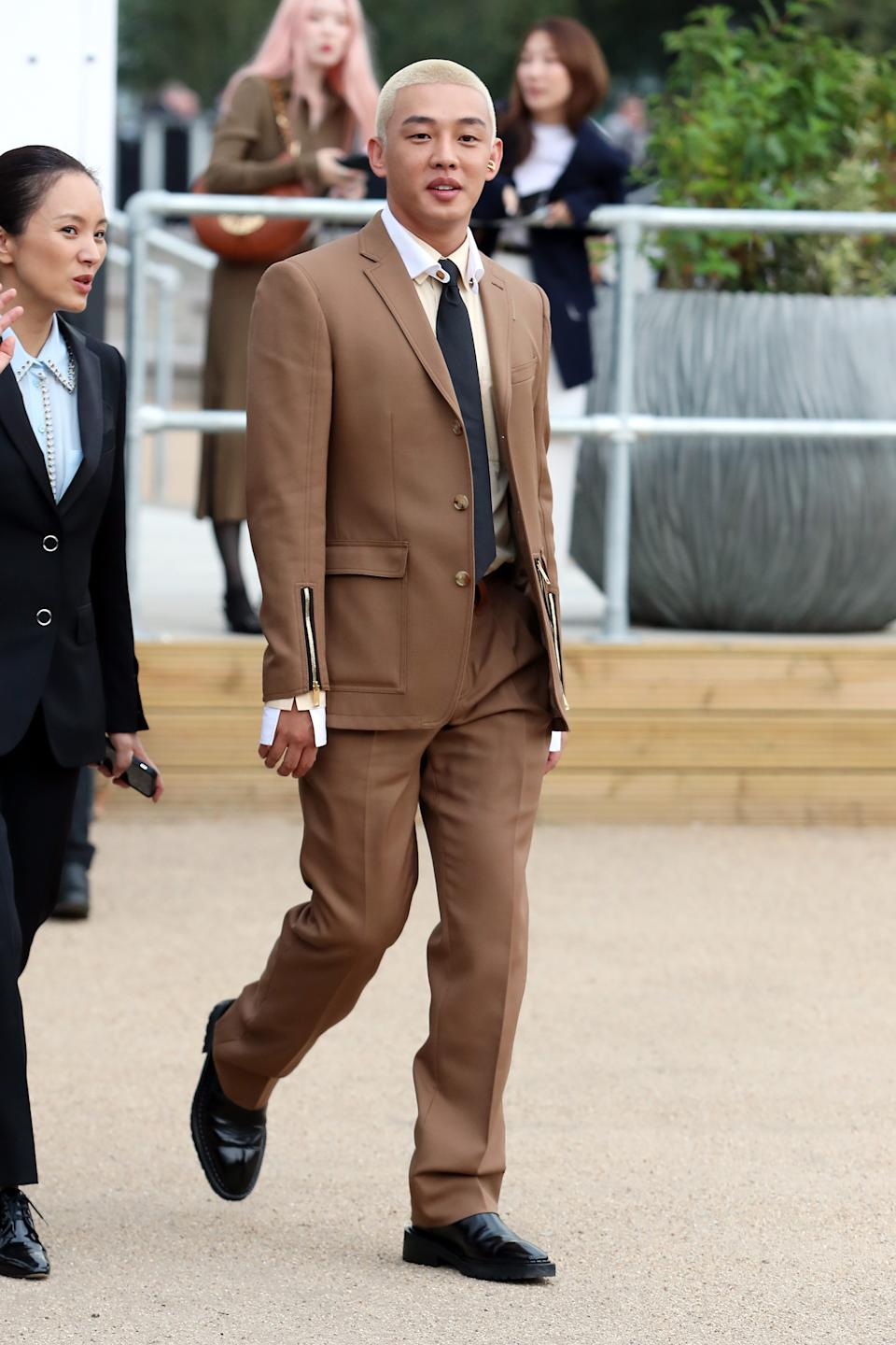 Yoo Ah-in arriving at Burberry's SS20 show. [Photo: Getty Images]