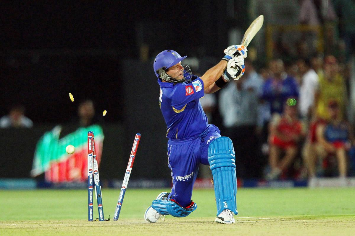 Brad Hodge is bowled in the last over with RR needing 5 runs to win during match 40 of the Pepsi Indian Premier League ( IPL) 2013  between The Rajasthan Royals and the Royal Challengers Bangalore held at the Sawai Mansingh Stadium in Jaipur on the 29th April 2013. (BCCI)