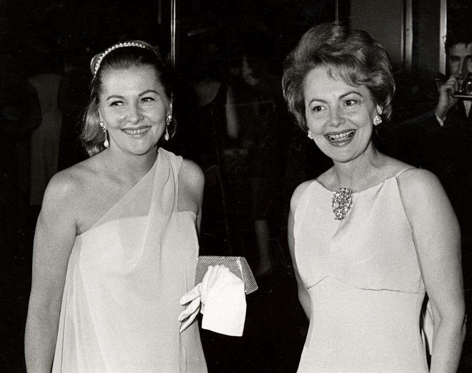 Joan Fontaine and sister Olivia de Havilland famously feuded. (Photo: Ron Galella/Ron Galella Collection via Getty Images)
