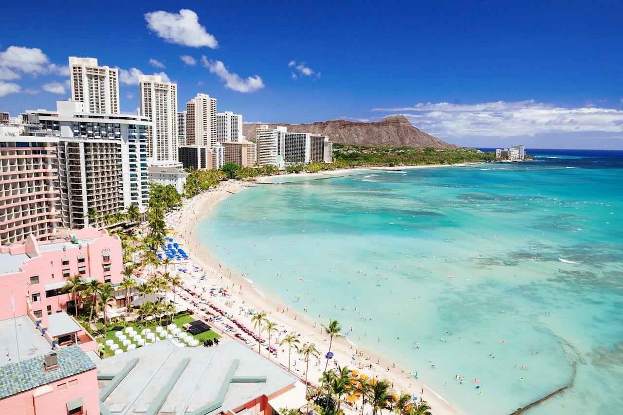 """<p><a href=""""https://www.housebeautiful.com/design-inspiration/real-estate/g26323103/hawaiian-homes-luxe-escape-winter/"""" target=""""_blank"""">Honolulu</a> is at the top of the list for the best places to retire early. Although the tropical paradise is both the capital and the largest city of this U.S. state, it's still considered a remote destination where you can truly relax. If you decide to retire here, you'll get the best of both worlds: A soothing atmosphere with shopping, dining, and nightlife only steps away at the Waikiki neighborhood.</p><p><a class=""""body-btn-link"""" href=""""https://www.redfin.com/HI/Honolulu/1617-Keeaumoku-St-96822/unit-302/home/63757576"""" target=""""_blank"""">FIND A HONOLULU HOME</a></p>"""