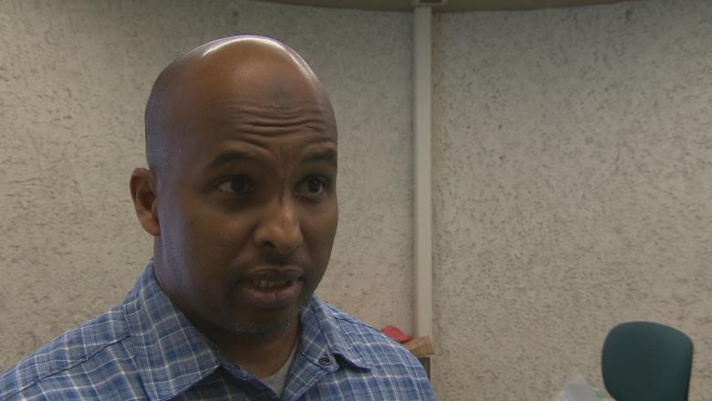Winnipeg Somali community serves up meal for asylum seekers