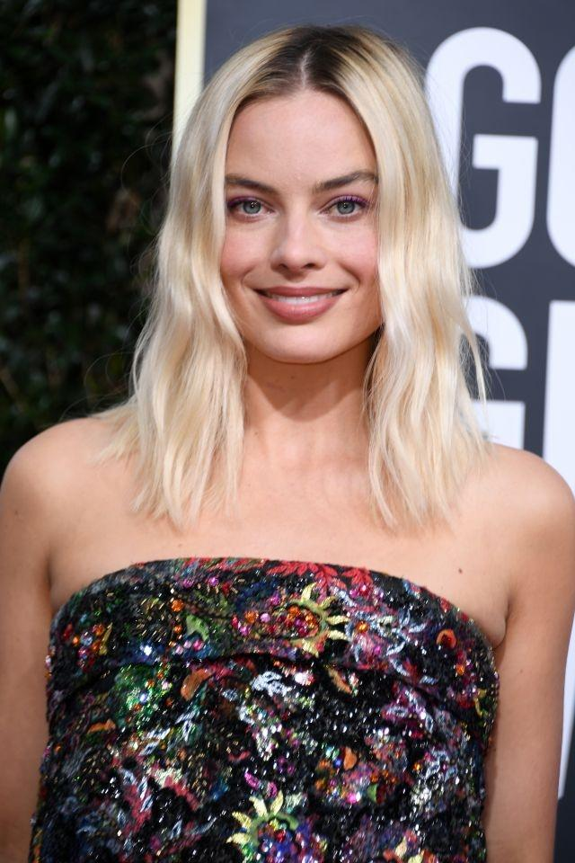 Dark roots are having a red carpet moment in 2020