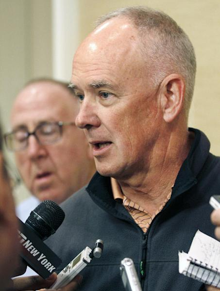 New York Mets general manager Sandy Alderson talks with the media at the annual baseball general managers meeting, Tuesday, Nov. 12, 2013, in Orlando, Fla. (AP Photo/Reinhold Matay)