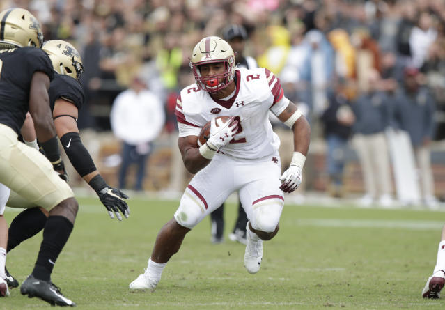 "Boston College running back <a class=""link rapid-noclick-resp"" href=""/ncaaf/players/279912/"" data-ylk=""slk:AJ Dillon"">AJ Dillon</a> is looking to have a monster season. (AP Photo/Michael Conroy)"