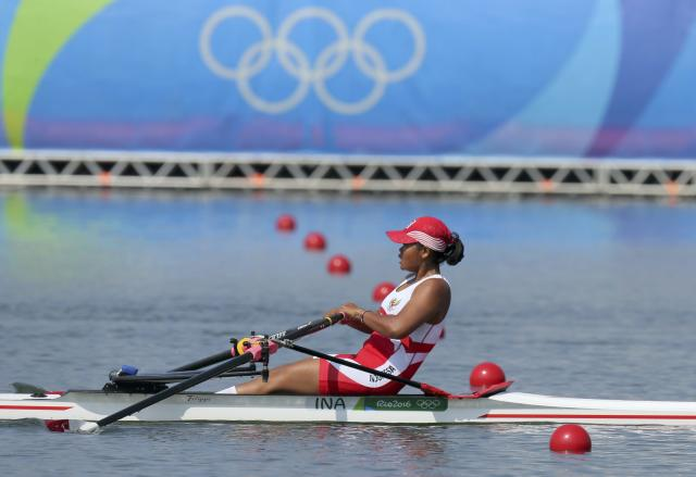 2016 Rio Olympics - Rowing - Semifinal - Women's Single Sculls Semifinal E/F 1 + 2 - Lagoa Stadium - Rio De Janeiro, Brazil - 09/08/2016. Dewi Yuliawati (INA) of Indonesia competes. REUTERS/Gonzalo Fuentes FOR EDITORIAL USE ONLY. NOT FOR SALE FOR MARKETING OR ADVERTISING CAMPAIGNS.
