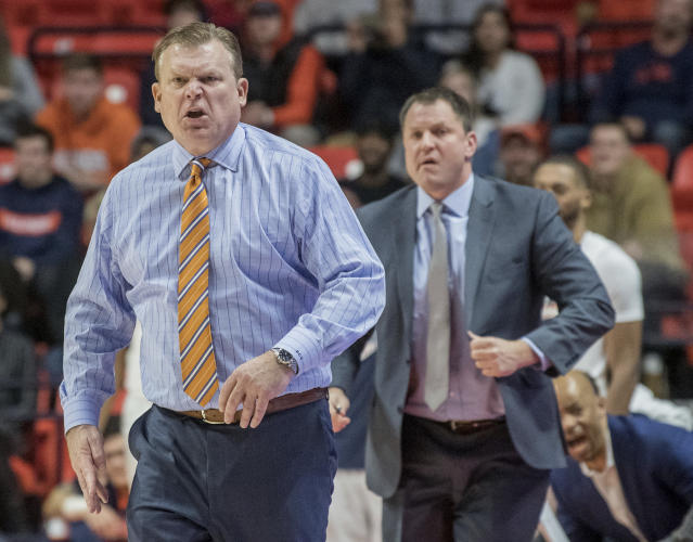 Illinois coach Brad Underwood reacts to a call during the first half of the team's NCAA college basketball game against Michigan in Champaign, Ill., Thursday, Jan. 10, 2019. Michigan won 79-69. (AP Photo/Rick Danzl)