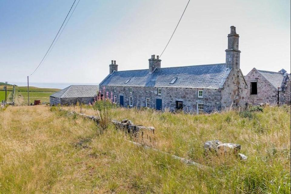 £299,000: cottages in need of renovation in Loth, Scotland (Rightmove)