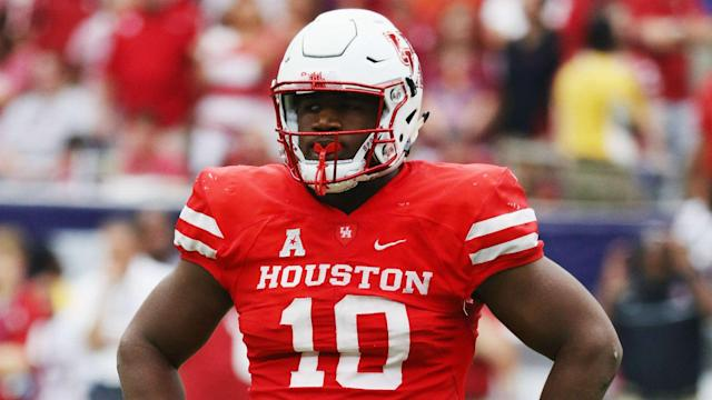 Ed Oliver got into it with Houston coach Major Applewhite on the sidelines this week. (AP)