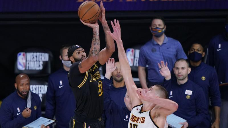 Anthony Davis lifts Lakers to 2-0 lead with buzzer-beating three