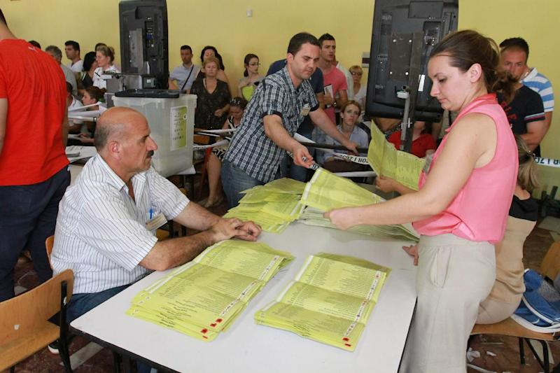 Socialists ahead in Albanian election count