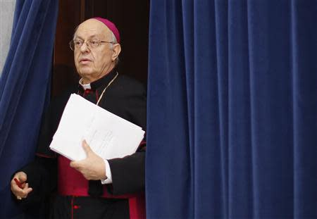 Bishop Lorenzo Baldisseri arrives to present Evangelii Gaudium (The Joy of the Gospel) from Pope Francis, during a news conference in Vatican November 26, 2013. REUTERS/Alessandro Bianchi