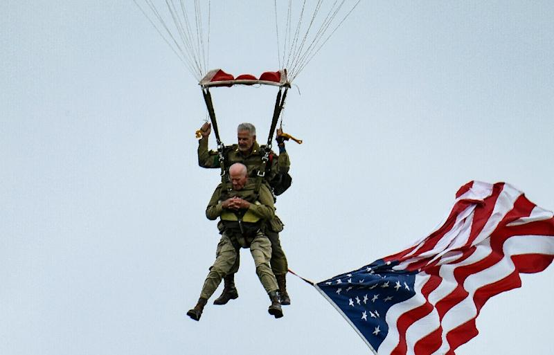 US WWII veteran Tom Rice parachutes into Normandy 75 years after the D-Day landings (AFP Photo/BERTRAND GUAY)