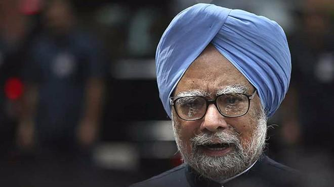 Modi Govt Not Acting on Corruption Allegations: Manmohan in Guj
