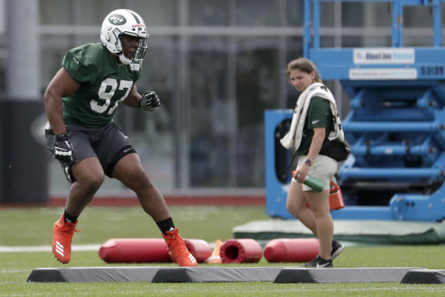 New York Jets' Nathan Shepherd, who was drafted in the third round of the 2018 draft, works out during NFL rookie camp, Saturday, May 5, 2018, in Florham Park, N.J. (AP)