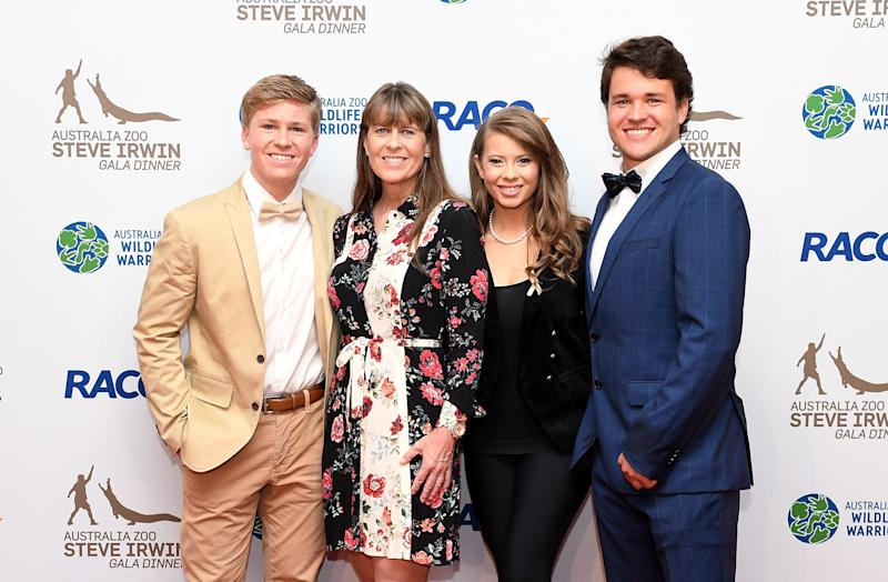 BRISBANE, AUSTRALIA - NOVEMBER 09: (L-R) Robert Irwin, Terri Irwin, Bindi Irwin and Chandler Powell pose for a photo at the annual Steve Irwin Gala Dinner at Brisbane Convention & Exhibition Centre on November 09, 2019 in Brisbane, Australia. (Photo by Bradley Kanaris/Getty Images)