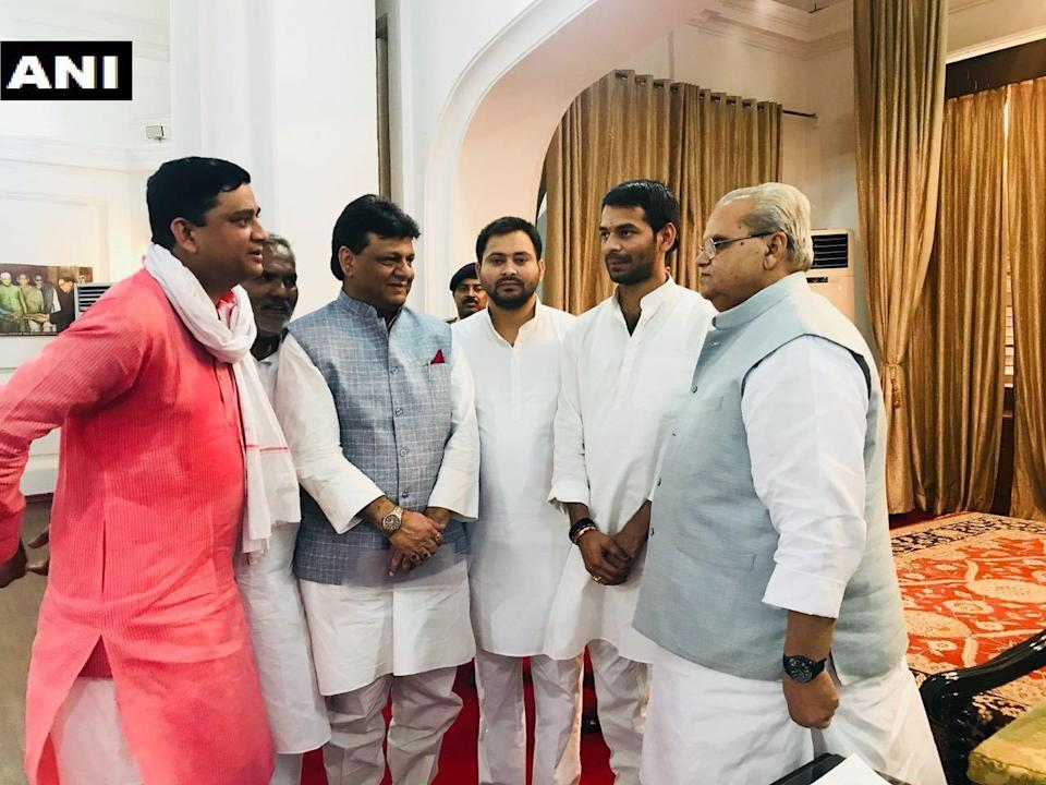 Leaders of the RJD and other allied parties meet Bihar governor Satyapal Malik