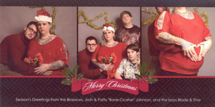 Student punks family with hilarious christmas card m4hsunfo