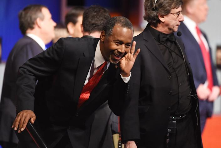 <p>Republican candidate and retired neurosurgeon Ben Carson listens to a member of the audience during a break at the Fox Business Network presidential debate at the North Charleston Coliseum on Jan. 14, 2016, in North Charleston, S.C. <i>(Photo: Rainier Ehrhardt/AP)</i></p>