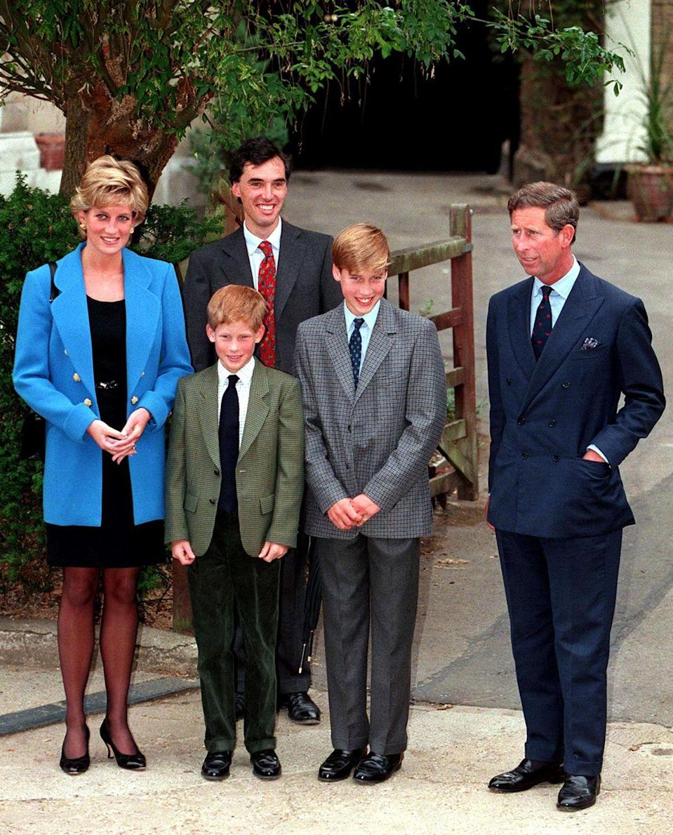 <p>The royals mark Prince William's first day at Eton College with a family photo. </p>