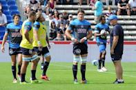 Montpellier's players warm up prior to their French Top 14 rugby union match against Bordeaux, at the Chaband Delmas stadium in Bordeaux, south-western France, on September 6, 2015 (AFP Photo/Mehdi Fedouach)