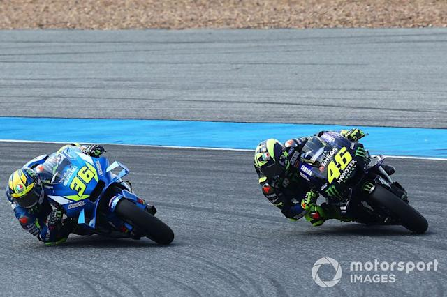 "Joan Mir, Team Suzuki MotoGP, Valentino Rossi, Yamaha Factory Racing <span class=""copyright"">Gold and Goose / Motorsport Images</span>"