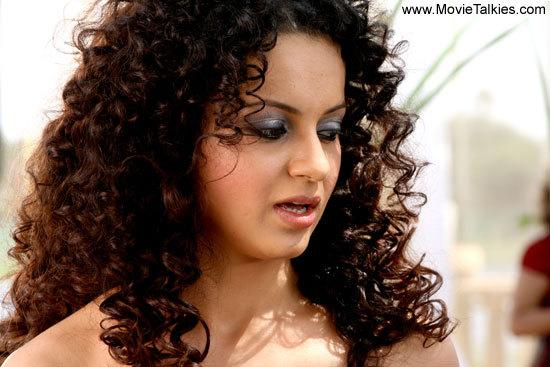 <p>Kangana, who also played a model in <i>Fashion</i> smoked for her onscreen role. The actress played a successful model, who later fails terribly in both personal and professional and commits suicide.</p>