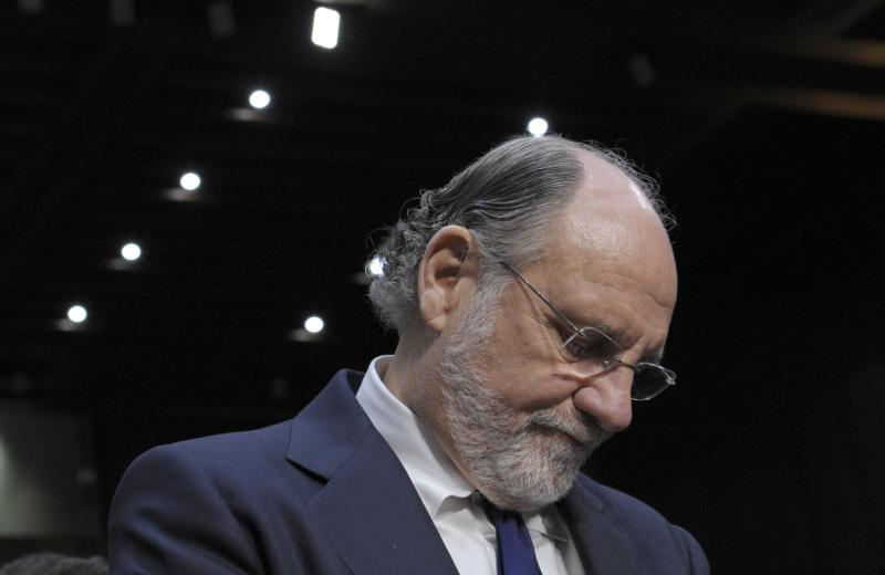 MF Global trustee threatens suit against Corzine