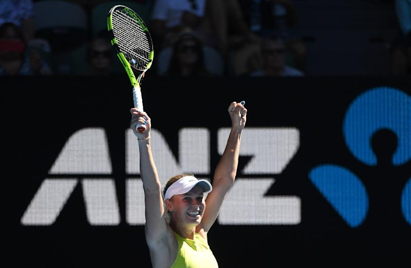 Australian Open: Federer rolls, Sharapova and Djokovic get comeback wins