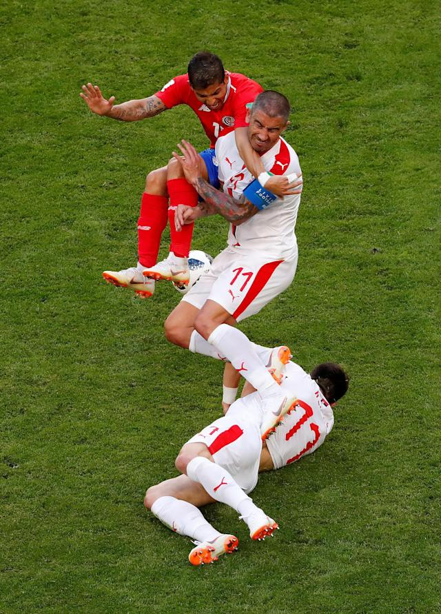 Soccer Football - World Cup - Group E - Costa Rica vs Serbia - Samara Arena, Samara, Russia - June 17, 2018 Costa Rica's Cristian Gamboa in action with Serbia's Filip Kostic and Aleksandar Kolarov REUTERS/David Gray TPX IMAGES OF THE DAY