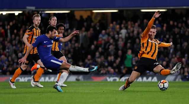 Soccer Football - FA Cup Fifth Round - Chelsea vs Hull City - Stamford Bridge, London, Britain - February 16, 2018 Chelsea's Pedro shoots at goal REUTERS/Eddie Keogh
