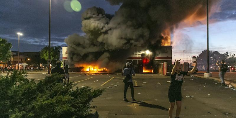 minneapolis george floyd fire protests