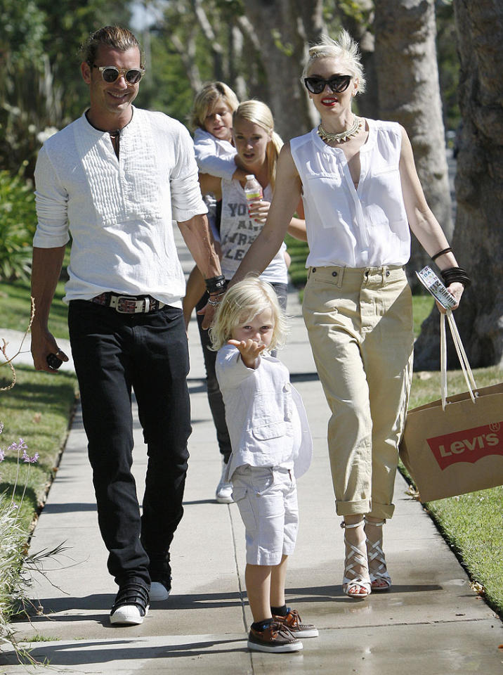 "<p class=""MsoNormal"">Wearing color-coordinated outfits, Gavin Rossdale and Gwen Stefani brought their sons – Kingston, 6, and Zuma, 3 – to visit the No Doubt singer's dad in Los Angeles for Father's Day. Young Zuma clearly is familiar with performing because he hammed it up for photographers on the way inside, while Kingston happily enjoyed a piggyback ride. (6/17/2012)</p><div style=""display:none;"" class=""skype_pnh_menu_container""><div class=""skype_pnh_menu_click2call""><a class=""skype_pnh_menu_click2call_action"">Call</a></div><div class=""skype_pnh_menu_click2sms""><a class=""skype_pnh_menu_click2sms_action"">Send SMS</a></div><div class=""skype_pnh_menu_add2skype""><a class=""skype_pnh_menu_add2skype_text"">Add to Skype</a></div><div class=""skype_pnh_menu_toll_info""><span class=""skype_pnh_menu_toll_callcredit"">You'll need Skype Credit</span><span class=""skype_pnh_menu_toll_free"">Free via Skype</span></div></div>"
