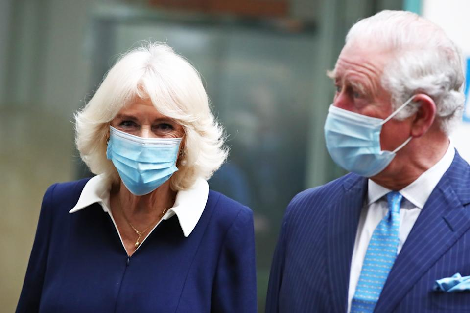 LONDON, ENGLAND - MARCH 09: Prince Charles, Prince of Wales and Camilla, Duchess of Cornwall visit Skipton House to meet NHS and MOD staff involved in the vaccine rollout on March 9, 2021 in London, England. (Photo by Aaron Chown-WPA Pool/Getty Images)